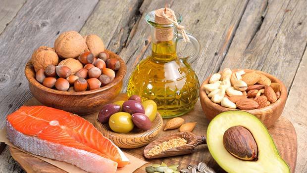 komplex vitamin, ásványi anyag- pótlás, poliszacharidok és flavonoidok, omega 6-3 zsírsavak